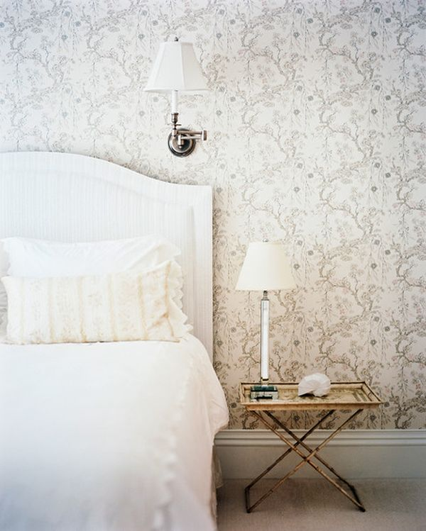 Shabby-Chic-Floral-patterned-wallpaper