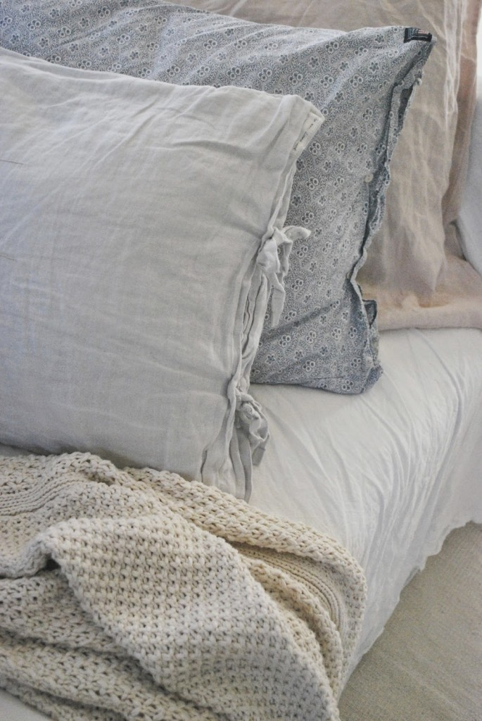 bedding-textile-with-a-cottage-flair