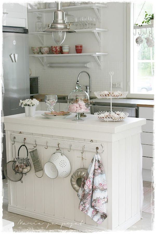 chabby-chic-kitchen-island