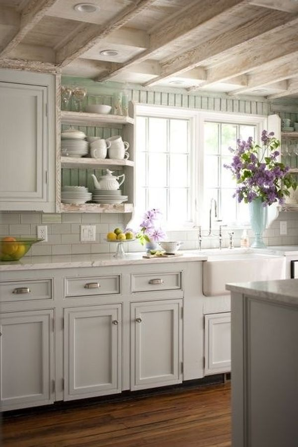 light-wood-bemas-shabby-chic